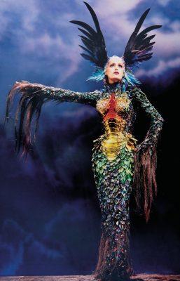 "Alan Strutt, Yasmin Le Bon, Palladium, London, 1997 ; Evening Standard Magazine, October 1997. Photo: © Alan Strutt. Outfi t : Thierry Mugler, La Chimère collection, ""La Chimère"" gown, haute couture fall/winter 1997–1998"