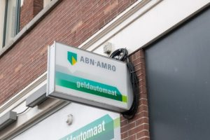Increasingly fewer ATMs in Dutch streets